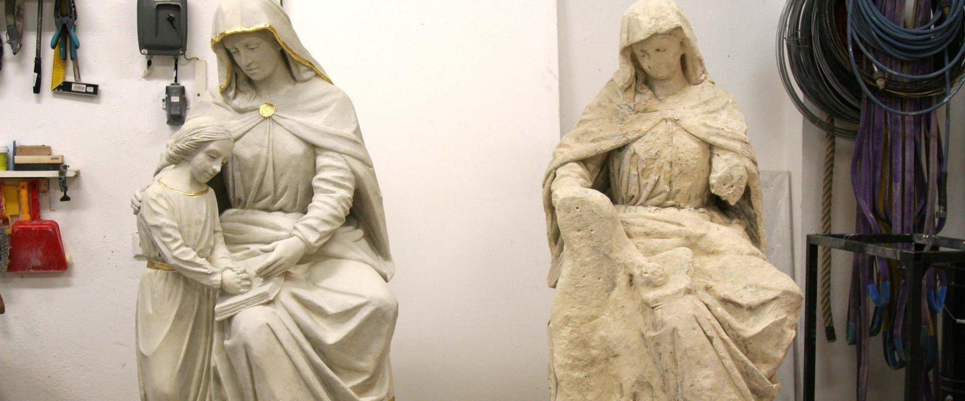 Súsošie vyučovania Panny Márie na podstavci, originál a kópia súsošia v reštaurátorskom ateliéry