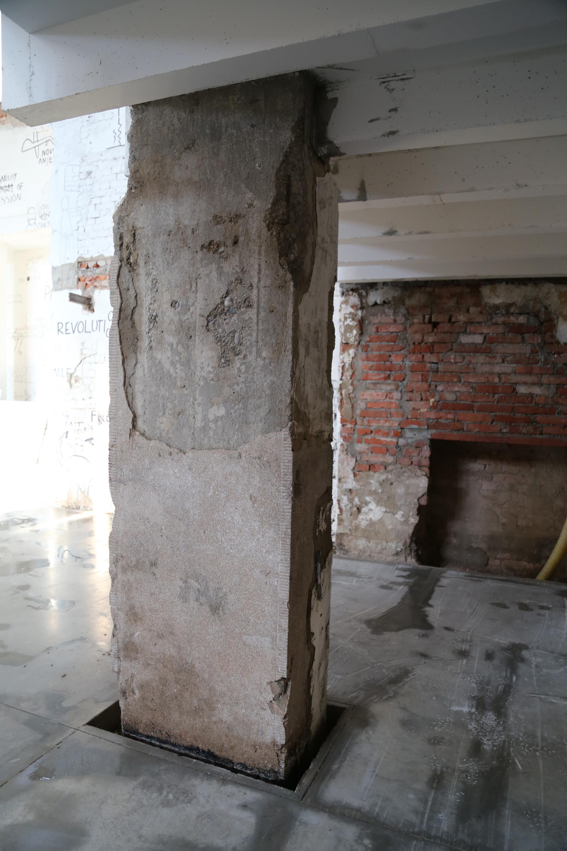 Synagóga v Žiline, stav stlpa pred reštaurovaním